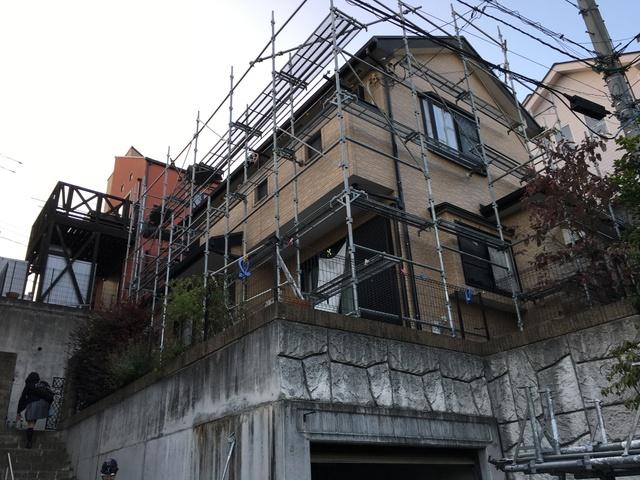 屋根壁を同時に塗装する利点