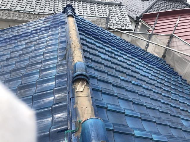 大切なご自宅の屋根は傘の役目