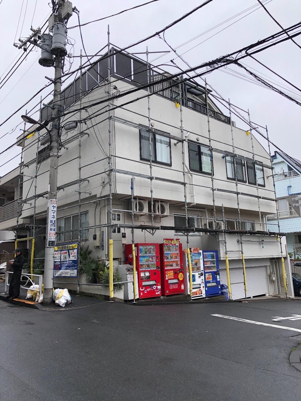東京都新宿区戸山にて仮設工事