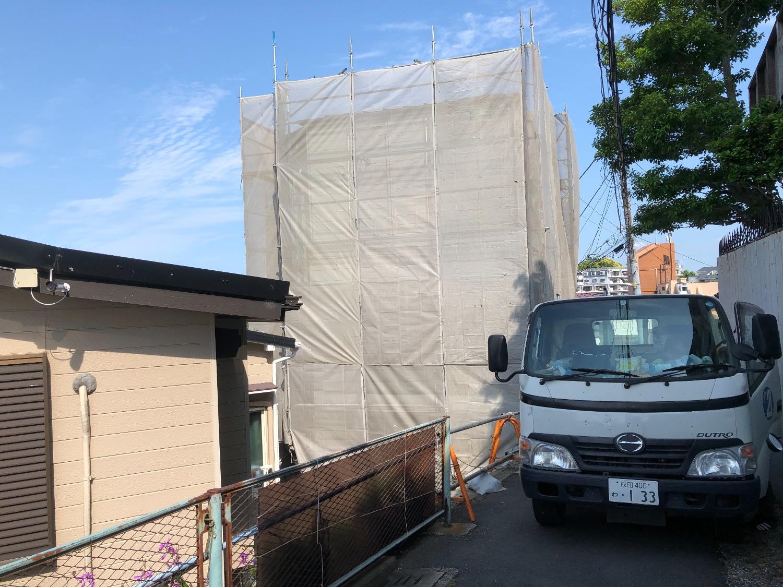 横浜市南区山谷にて仮設工事