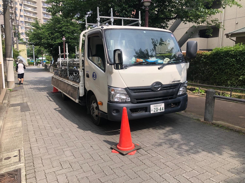 世田谷区池尻にて仮設工事