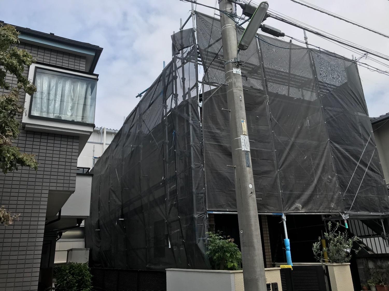 世田谷区粕谷にて仮設工事