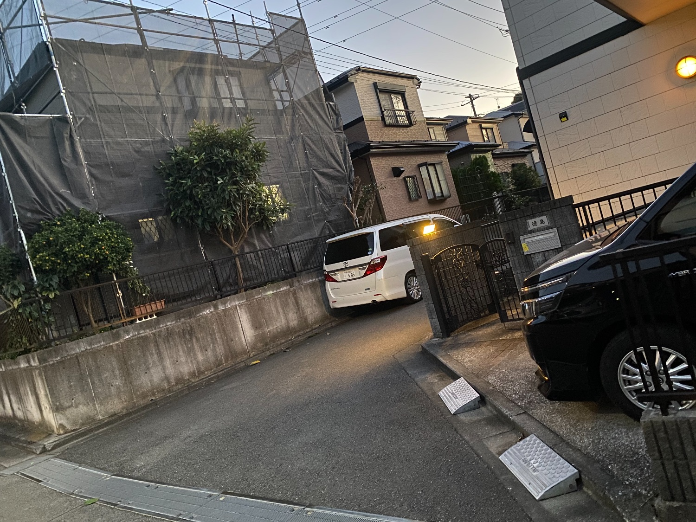 戸塚区汲沢にて仮設工事