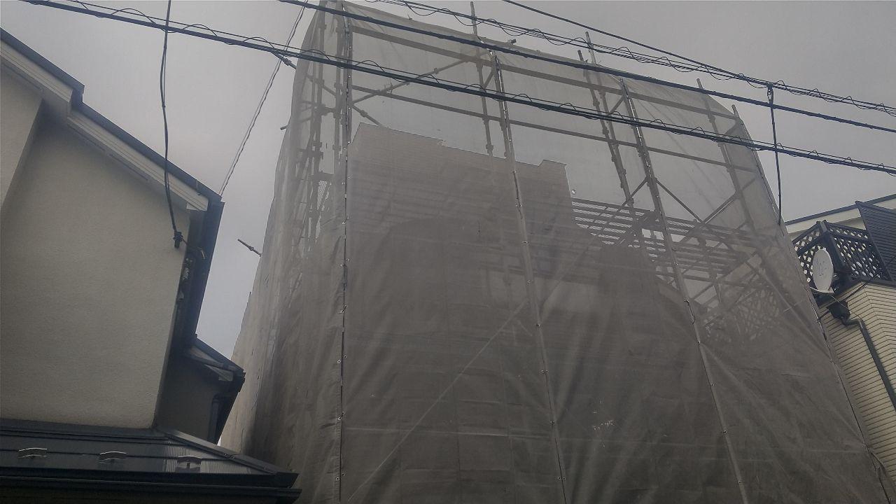 東京都目黒区東が丘にて仮設工事
