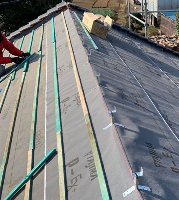 屋根:瓦桟木 木材なのに緑色⁉😲
