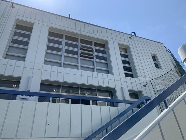 高等学校塗装工事13