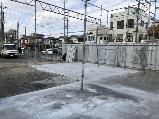 相模原市にて万能鋼板と櫓設置