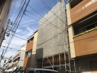 江東区にて足場工事