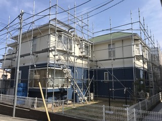 横浜都筑にて足場工事