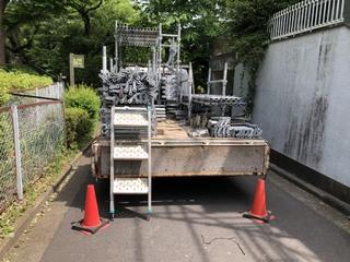 愛川町にて足場工事