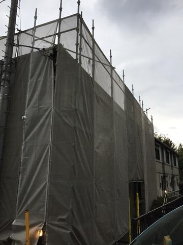 港北区にて足場工事