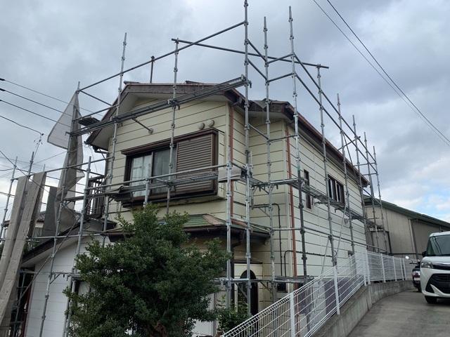 藤沢市羽鳥にて足場工事