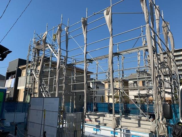 平塚市西八幡にて足場工事