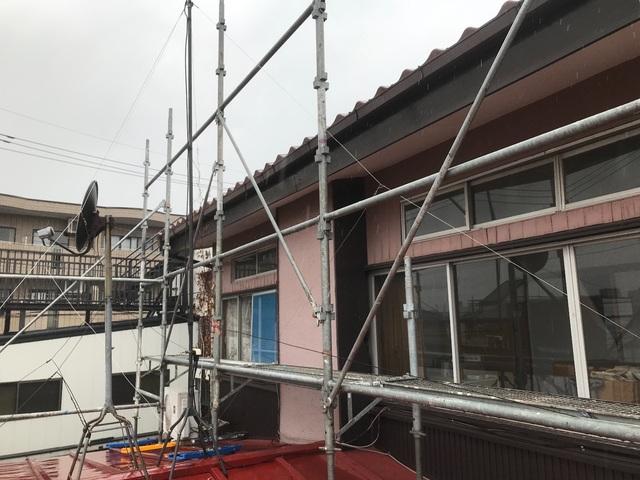 練馬区高松にて足場工事