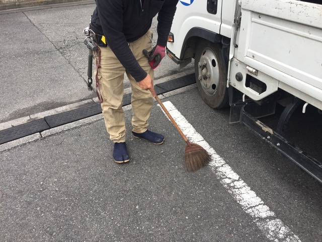 幸区戸手本町にて足場工事