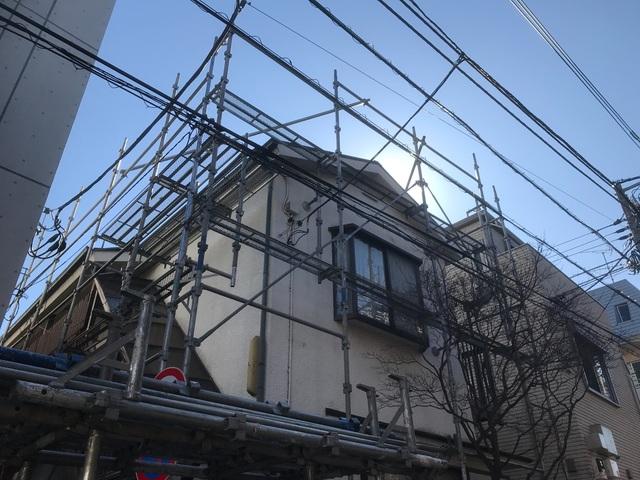 渋谷区上原にて足場工事